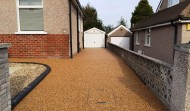 Resin Driveway Bound with Charcoal Edges