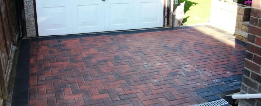 Brindle with Charcoal Blockpaving