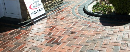 Heysham Blockpaving in Brindle and Charcoal