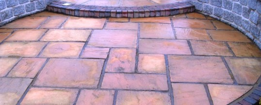 Lancaster Indian Paving with Natural Dwarf Walls