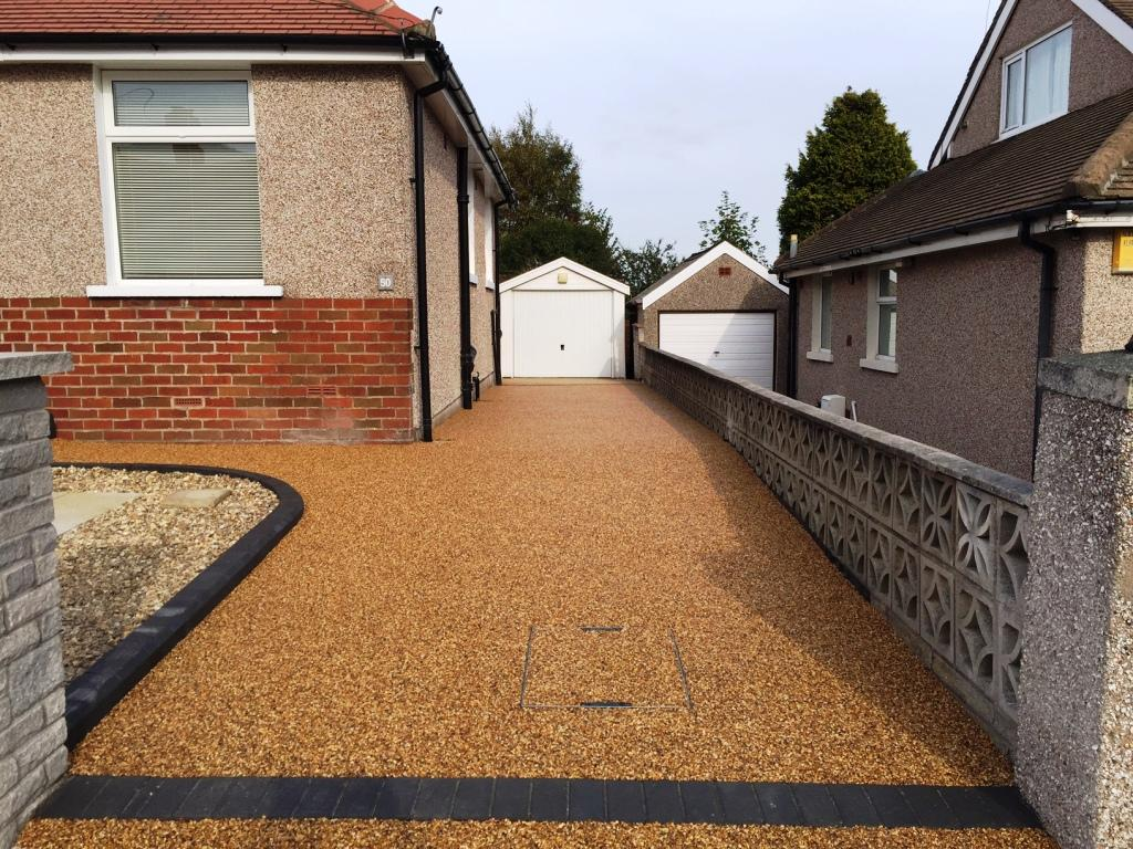 Knott End Attractive Resin Bound Driveway