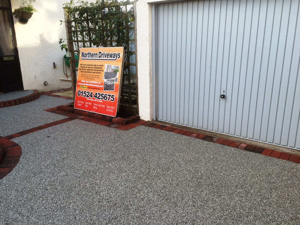 Little Eccleston Modern Resin Bound Driveway